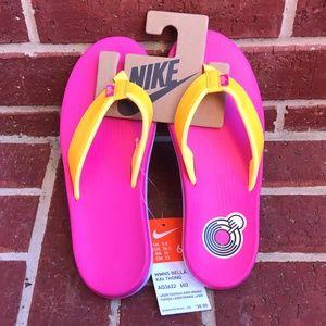 Nike Women's Bella Kai Flip Flop Sandal